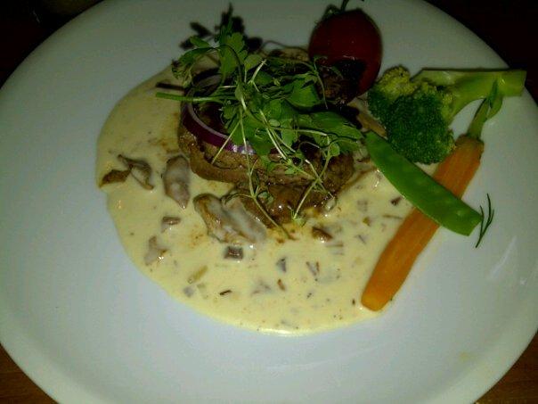 Beef medallion saus jamur