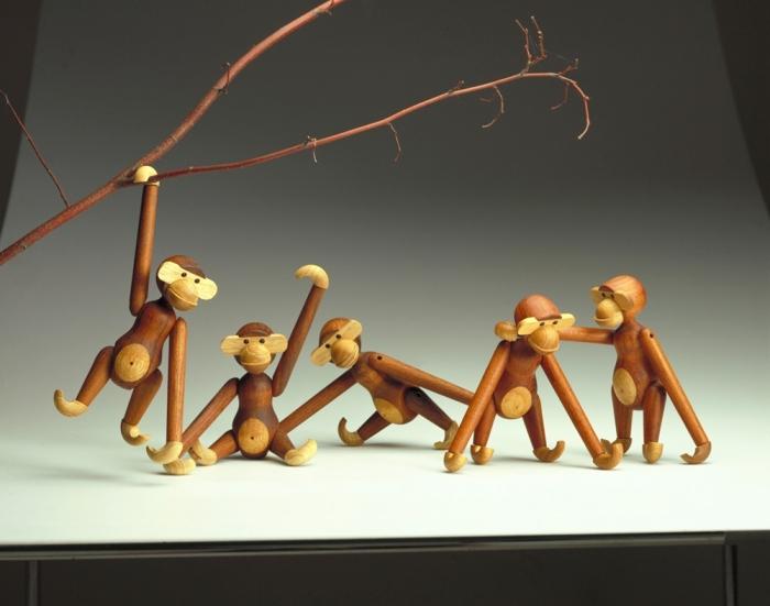 //credit Ini boneka kayu monyet harganya mahal amat yak?