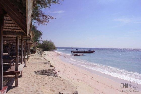 pantai dekat pelabuhan dan rust mimpi manis kafé